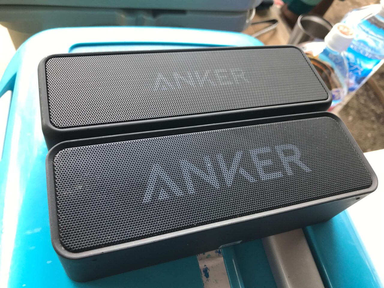 手前:Anker SoundCore・奥:Anker SoundCore 2