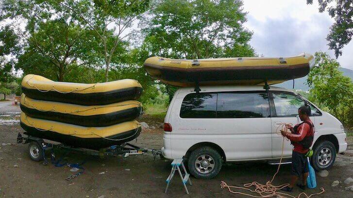 ラフティングボートの片付け方