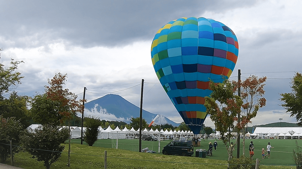 スペシャの気球と富士山