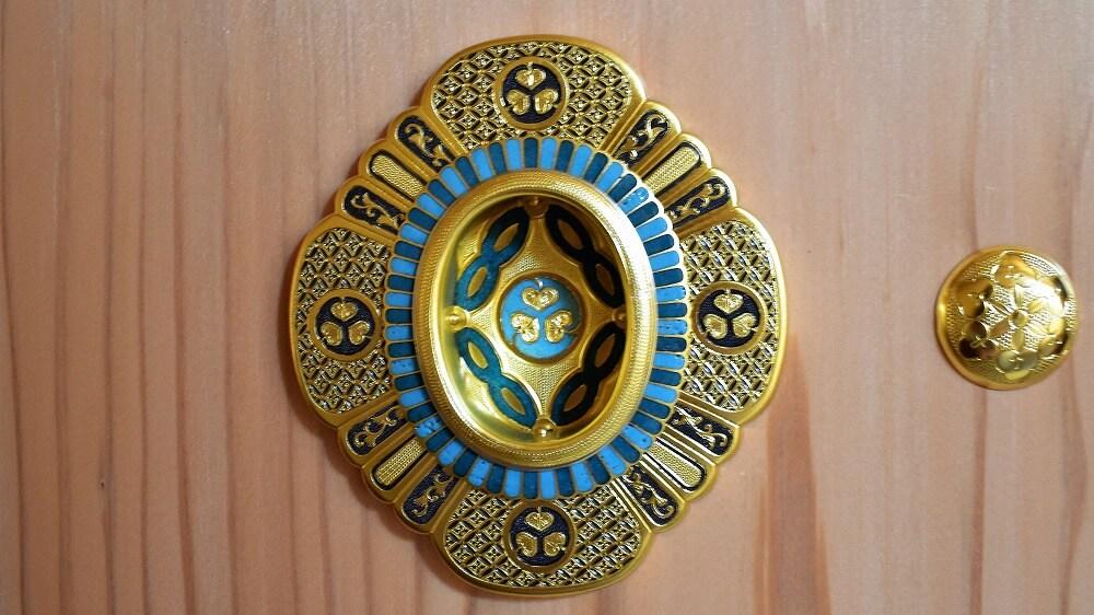 名古屋城本丸御殿湯殿書院の襖引手の七宝焼き