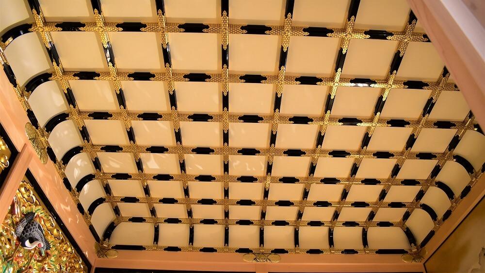名古屋城本丸御殿上洛殿一之間上洛殿一之間の黒漆塗折上げ蒔絵付格天井