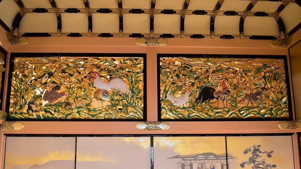 一之間東側襖絵と彫刻欄間