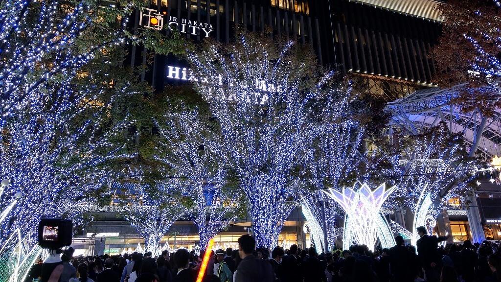 博多駅点灯式イルミネーション 青と白