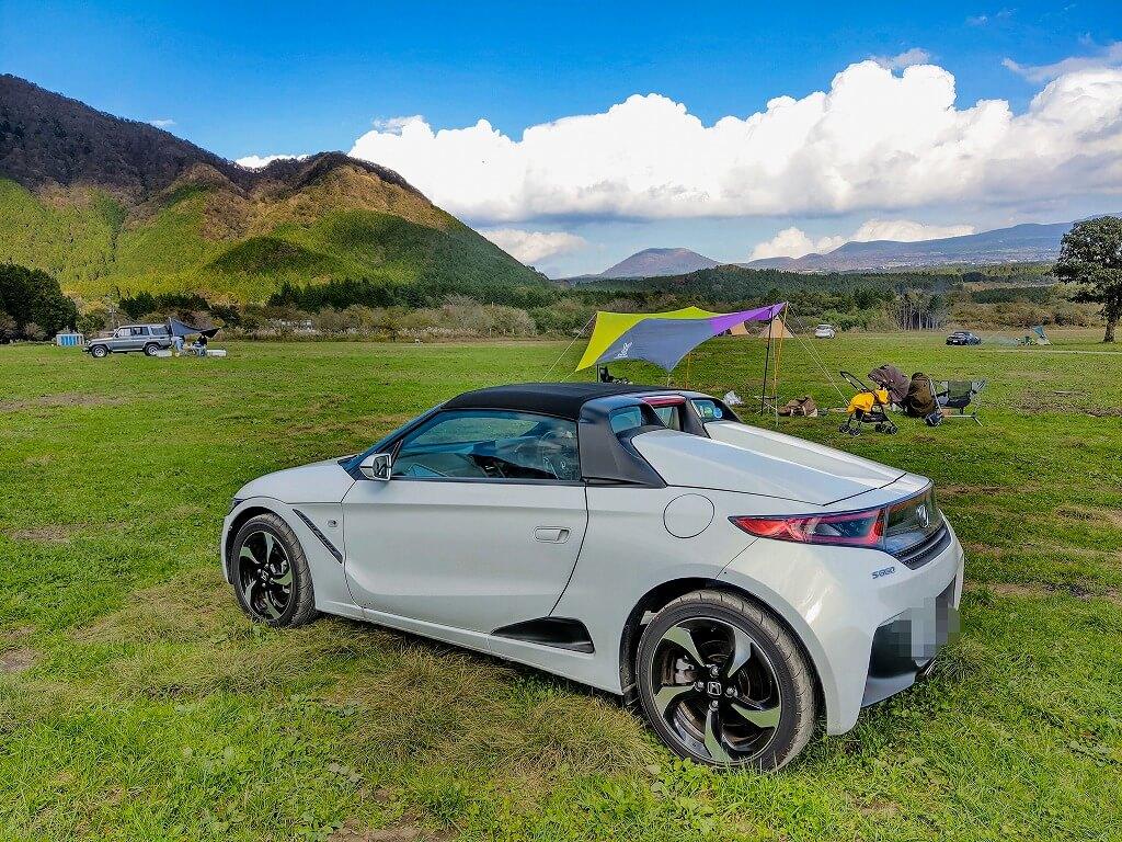 ふもとっぱらキャンプ場は車で乗り入れ可能 S660