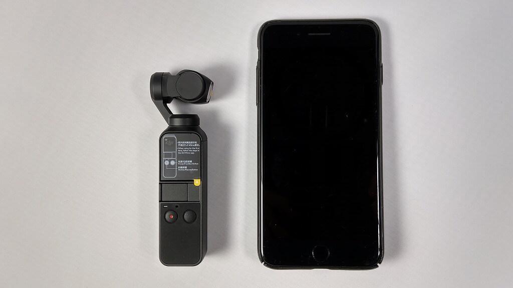 DJI Osmo PocketとiPhone 7 Plusを並べた