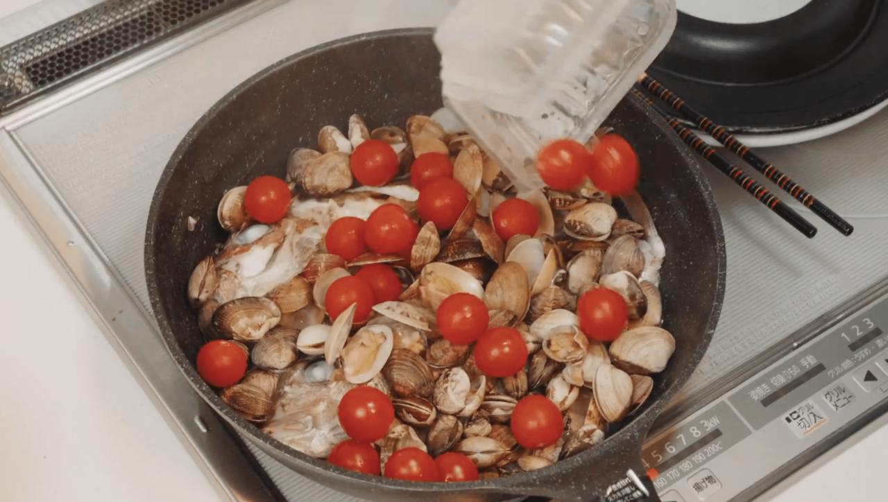 ミニトマトを投入