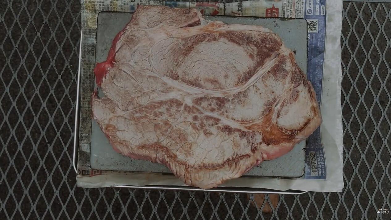 ヨコザワテッパンで焼いたステーキ