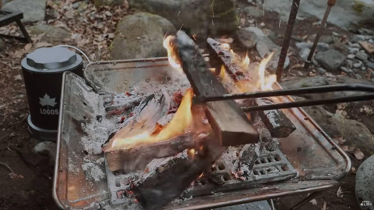 テオゴニアの炭ばさみ先端