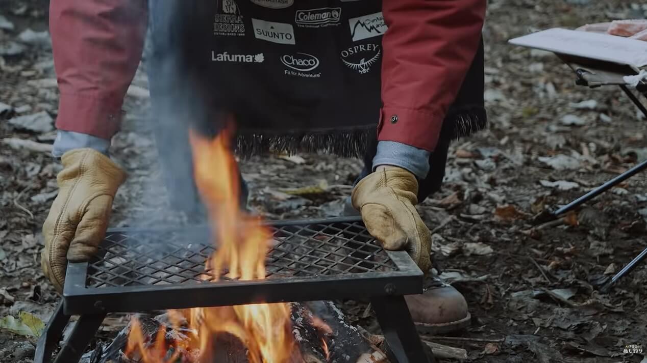 直火に直接置ける焚き火テーブル