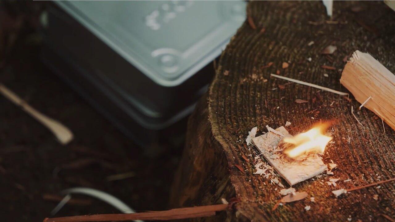 木の皮に着火