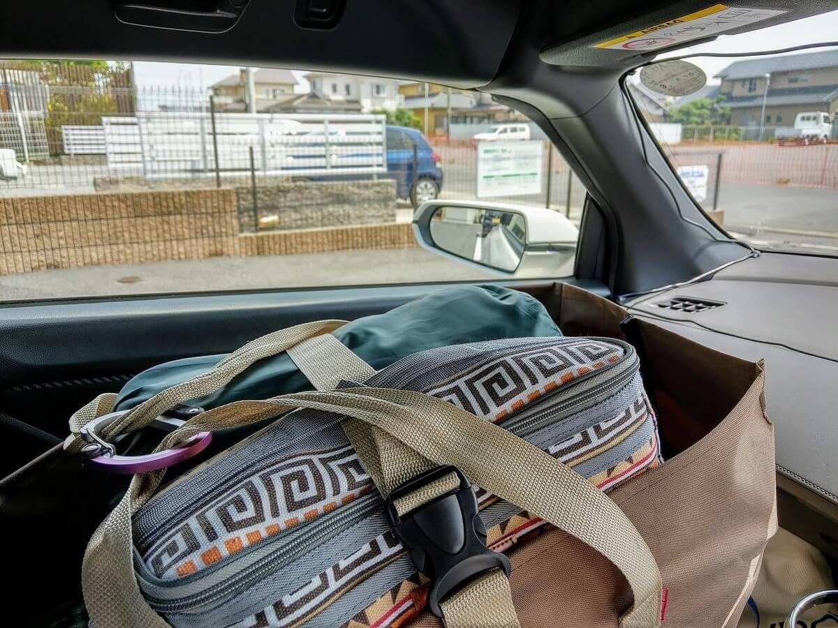 助手席に荷物を置いても良い量の目安