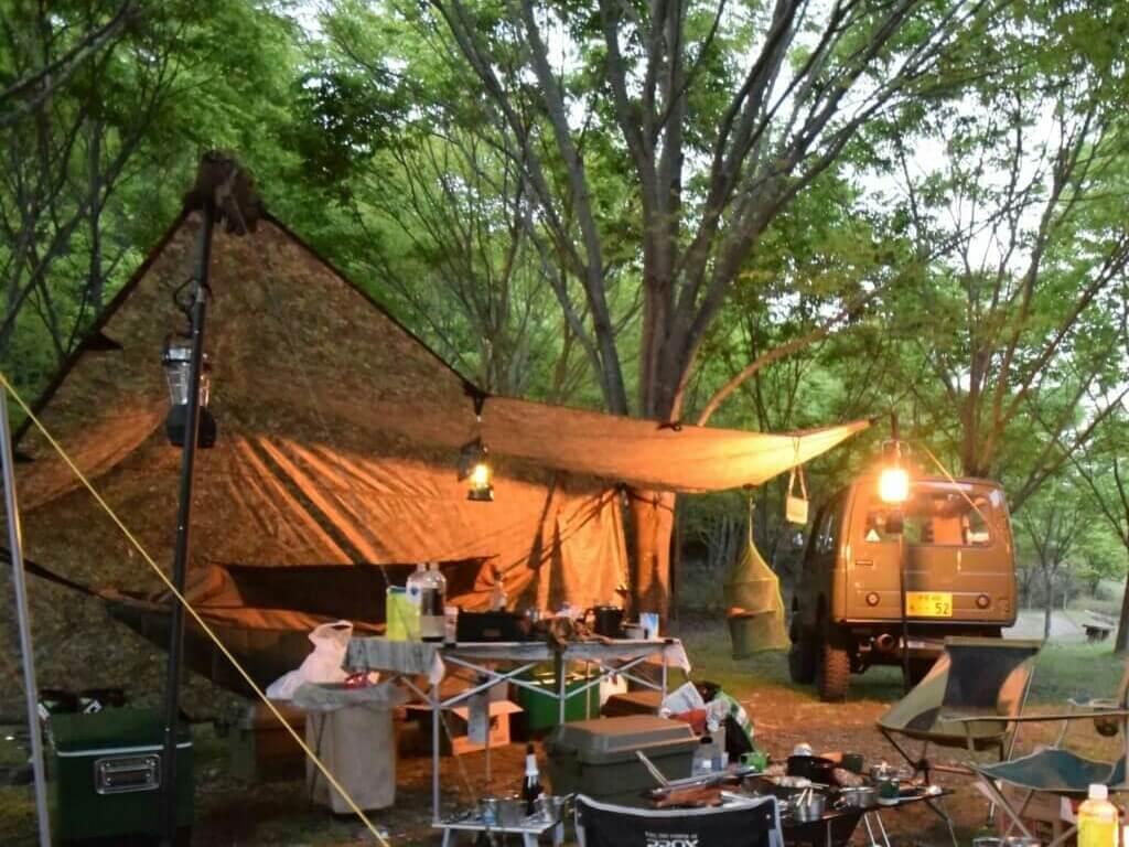 ミリタリーテイストのキャンプ