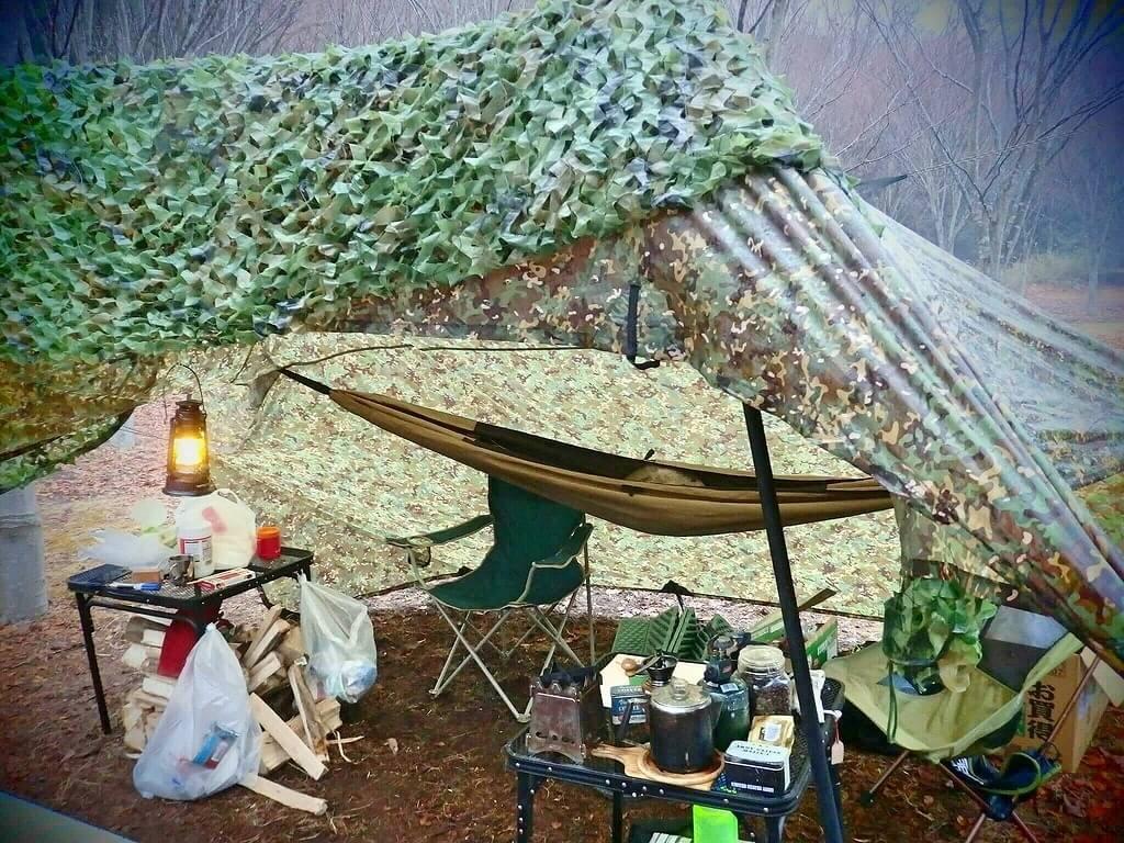 ミリタリー風キャンプ タフライトテーブル