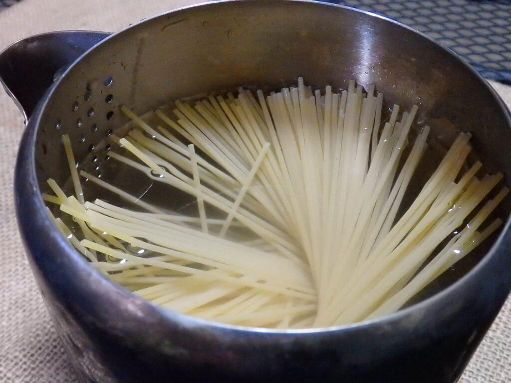 パーコレーターでパスタを調理