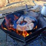 焚き火を囲めるテーブル ファイアグリルテーブル