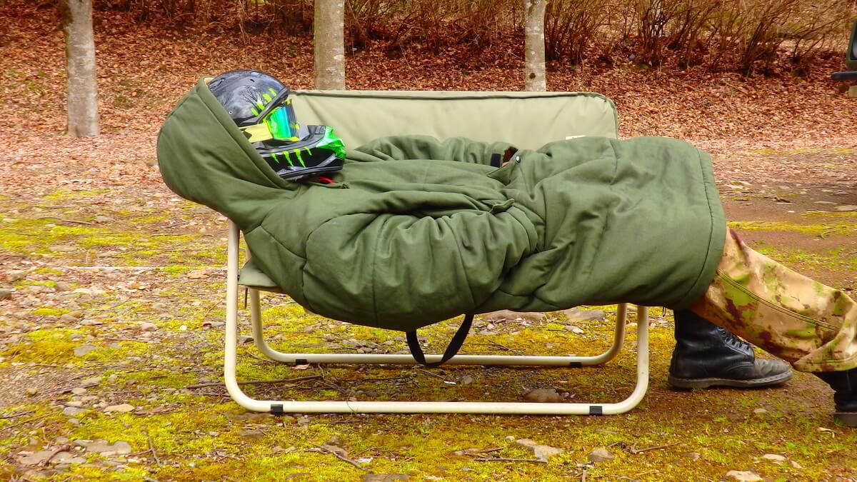 DODジャケシュラ2×DODグッドラックソファで寝れる