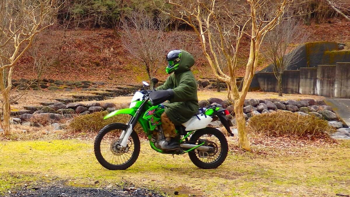ジャケシュラ2着たままバイクの運転